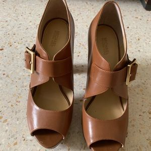 Michael Kors Camel Mary Jane heels